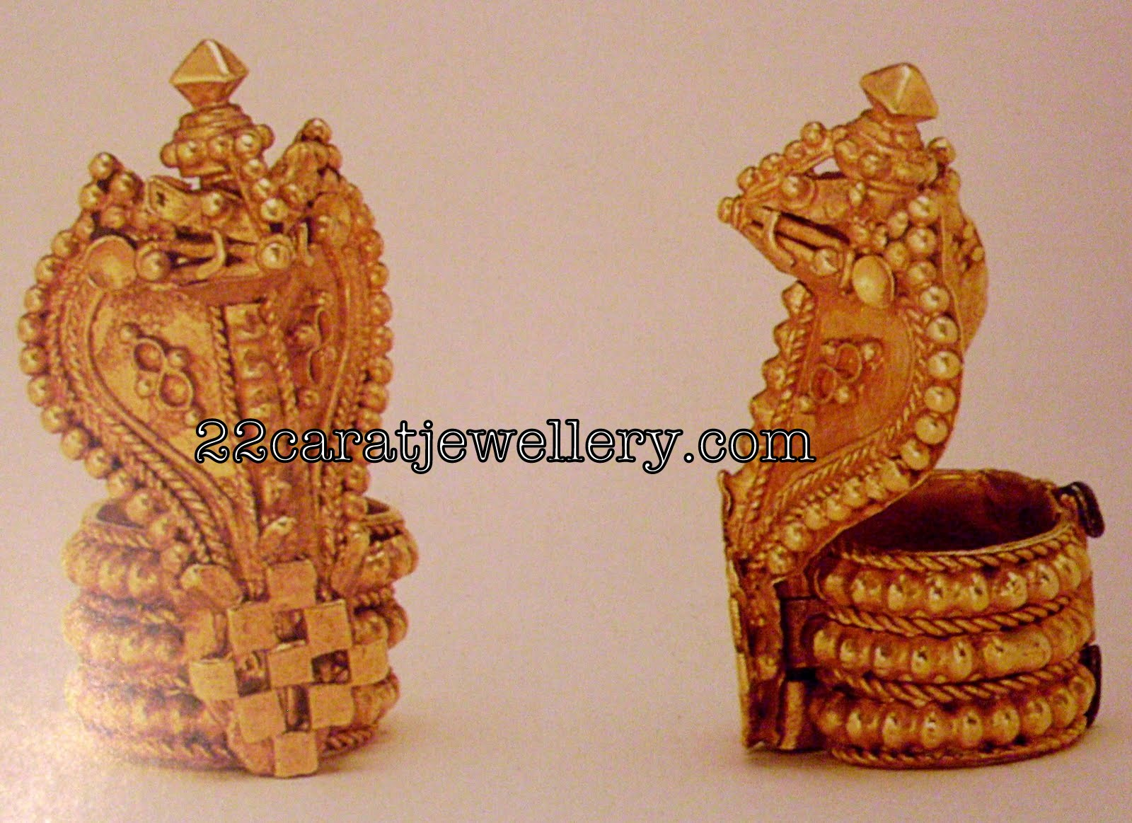Gold necklace designs in grt jewellers - Gold Naga Pratima From Grt Jewellery