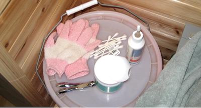 Alat untuk membersihkan telinga kucing