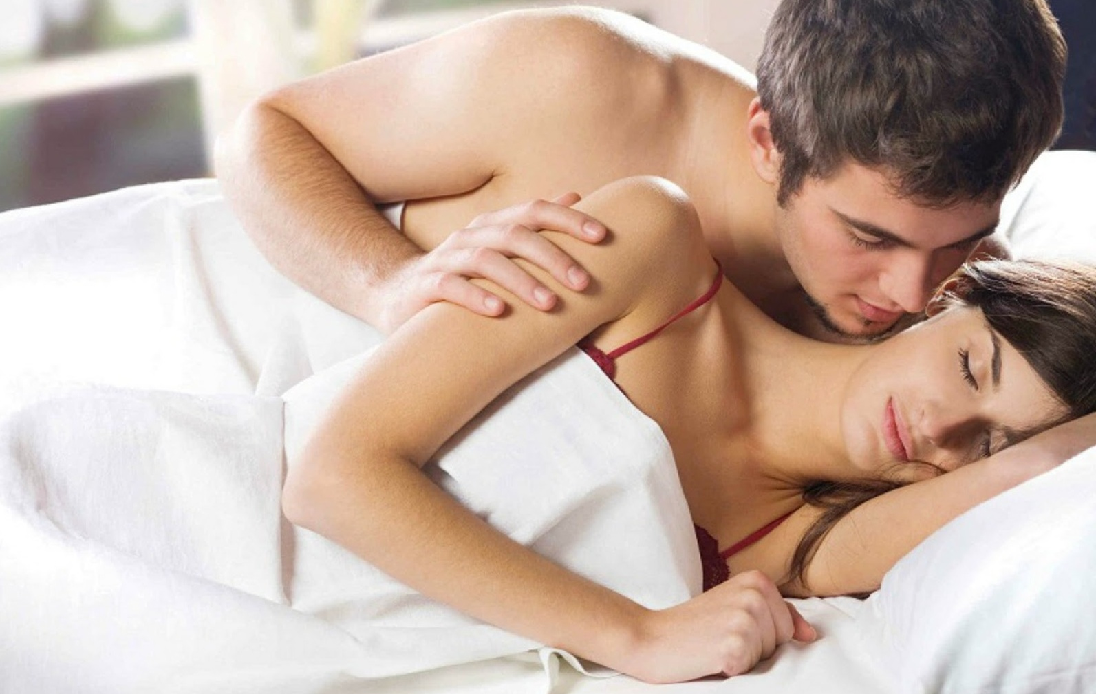 10 Things A Woman Should Never Do For A Man