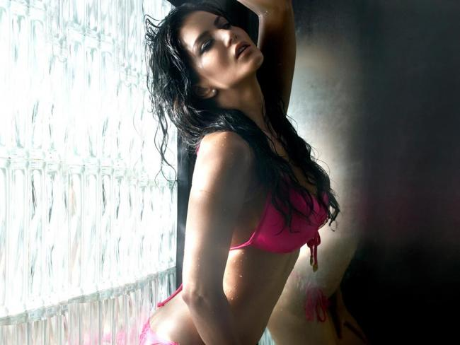 Sunny leone hot Bikini photos in Movie Jism 2