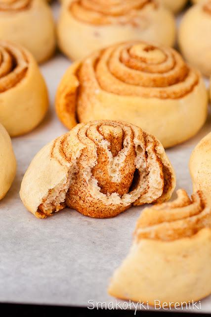 Cinnamon rolls, czyli zawijane bułeczki cynamonowe