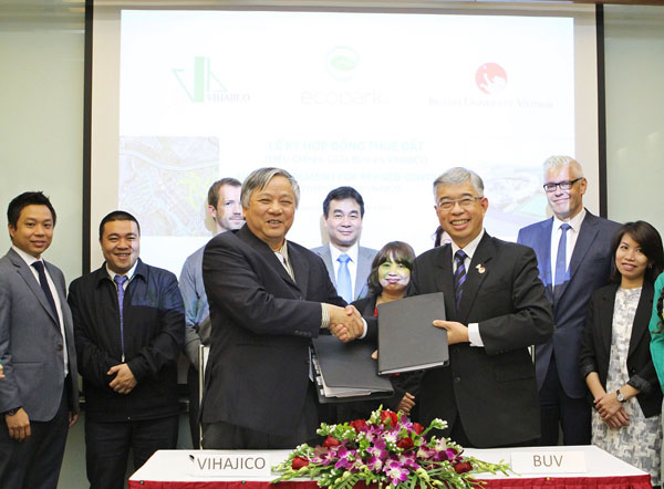 British University Vietnam (BUV) and Vihajico Corporation (Ecopark's Developer) signed an amendment on the location of BUV's campus in Ecopark