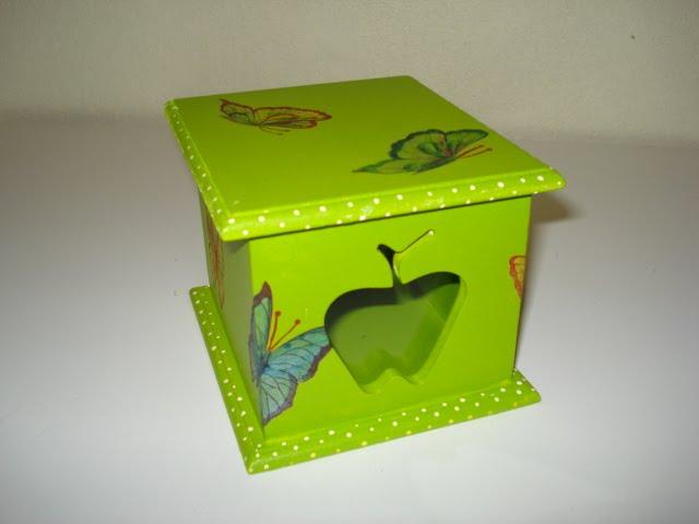 caixa chá decoupada R$15,00