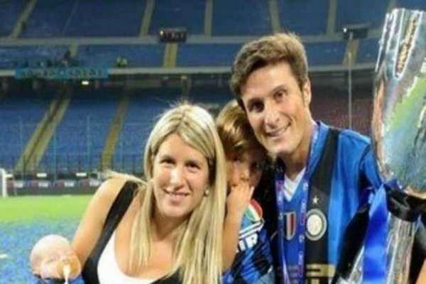 Javier zanetti and his children: uefa champions league final - fc bayern munich vs fc internazionale