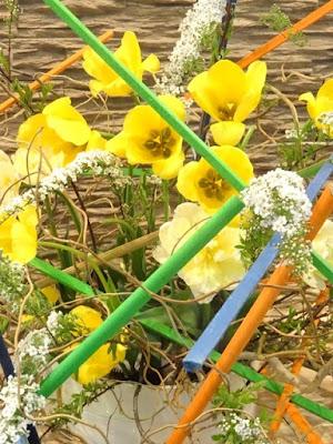 ikebana floral arrangement show