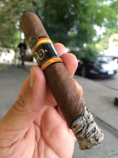Carlos Torano Noventa cigar 4