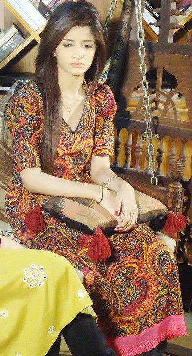 Pakistan Celebrities Simply Stunning Mawra Hocane