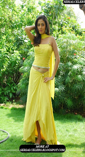 sada navel show hot pics