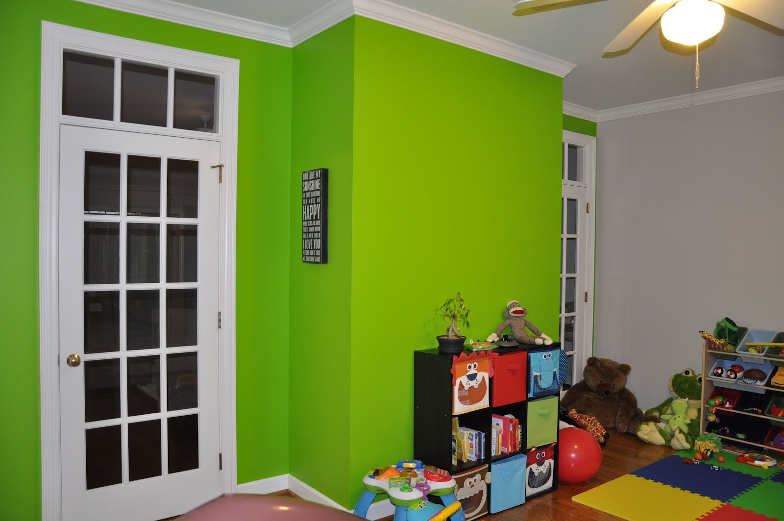 Wall Paint Light Green : Life in Spoonfuls: A dash of lime green.