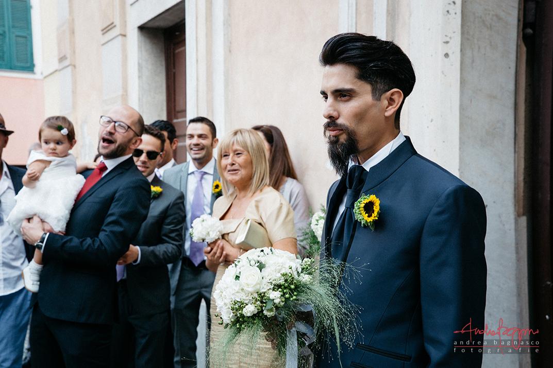 sposo attesa matrimonio chiesa