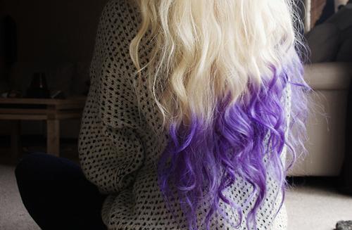 Блондинка с синими кончиками волос порно фото 95551 фотография