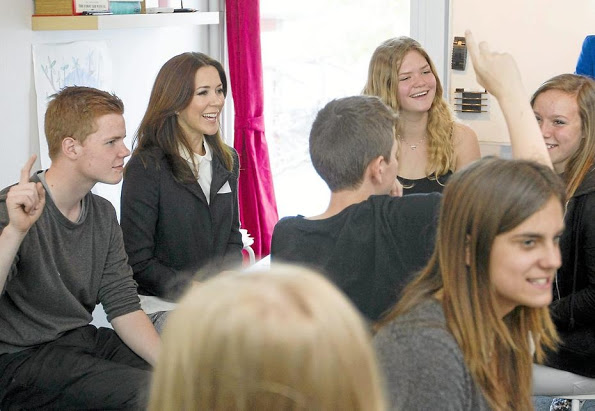 Princess Mary Visits Ruds Vedby School In Western Sealand
