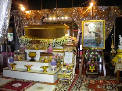 Wat Sangkhathan Nonthaburi วัดสังฆทาน นนทบุรี Luan Pho Sanon coffin