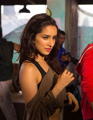 Shraddha Kapoor's makeup in ABCD2 :Glide with Gloss