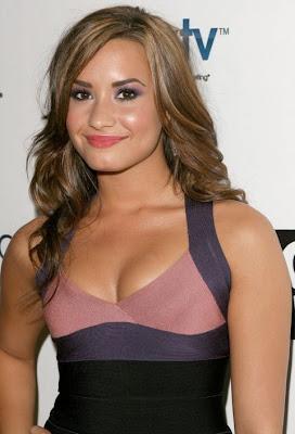 Demi Lovato Hot