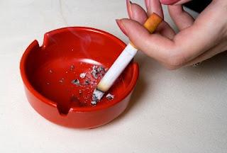 Awas, Merokok Bikin Umur Wanita Berkurang 10 Tahun