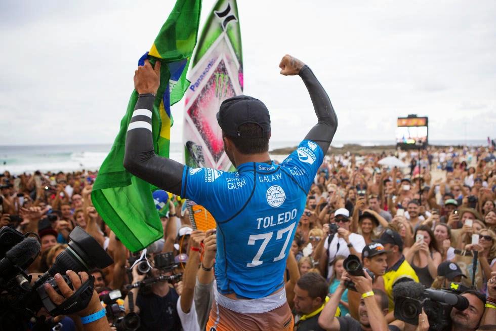 24 Quiksilver Pro Gold Coast 2015 Filipe Toledo Foto WSL Kelly Cestari