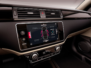 Qoros 3 Sedan, cruscotto e infotainment
