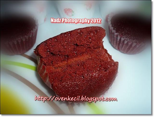 Anna Qaseh Azzahra Kek Baldu Merah Red Velvet Cake Picture