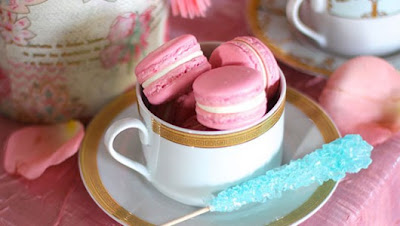pink macarons, pink and turquoise wedding ideas
