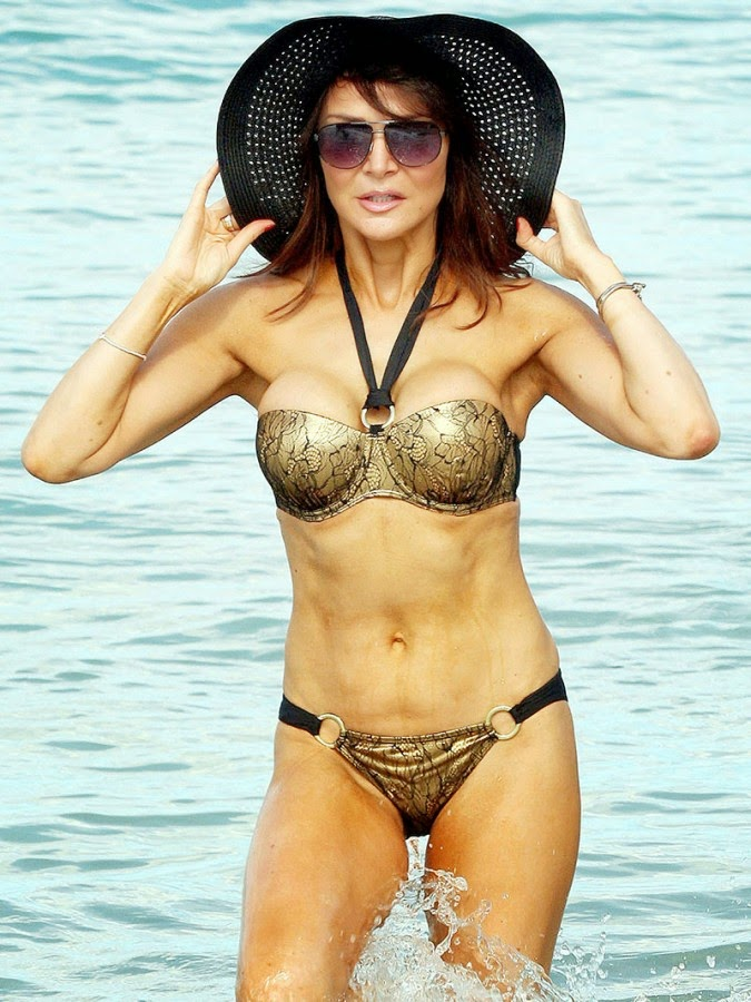 Lizzie Cundy, Lizzie Cundy body, Lizzie Cundy in a bikini, Lizzie Cundy lingerie, TV presenter and model, Who is Lizzie Cundy
