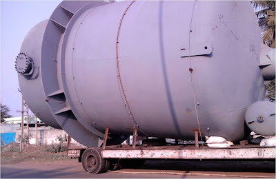 8000 liter storage tank transportation at unsafe condition