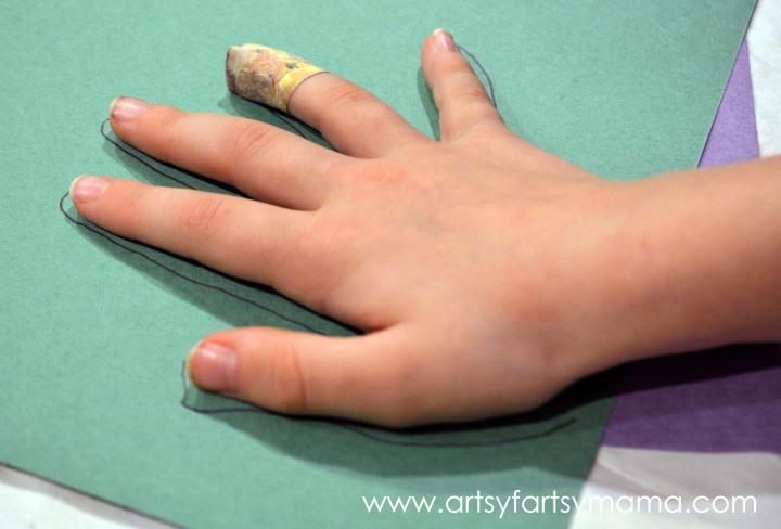 Easy Kids Craft: Paper Roll Turkeys at artsyfartsymama.com #thanksgiving #kidscraft #turkey