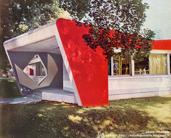 Ville d'Avray - La Maison de Demain - Lionel Mirabaud  Architecte: Lionel Mirabaud  Polychromie: Noël Emile-Laurent  Sculpture: André Bloc  Construction: 1955  Détruite.