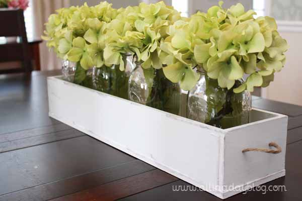 Pretty table top ideas great for mother 39 s day too craft for Everyday table centerpiece ideas