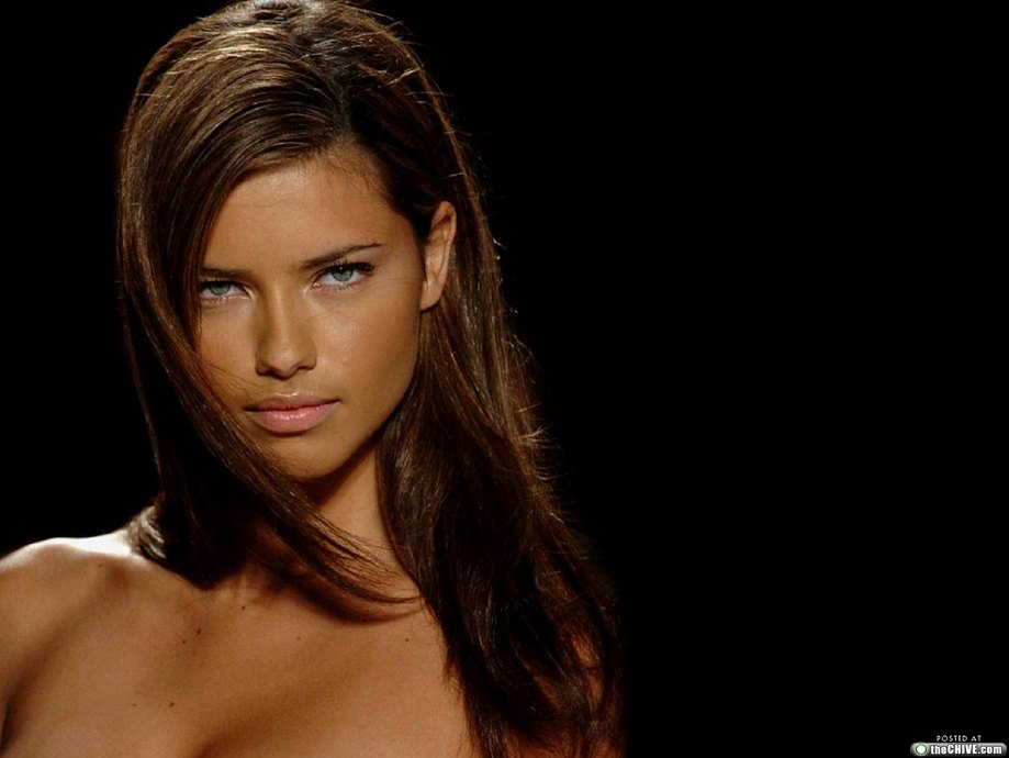 Adriana Lima High Resolution