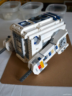 lego r2d2 - i put one leg in place, then made dinner