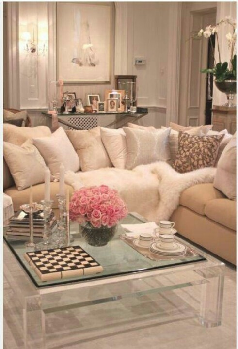 Dd Over A Couch Like This One From Angela Lamars Design Adds Softness And Texture