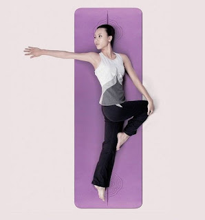 VIVIENNE TAM瑜珈蓆連袋 $680