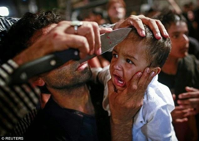 ritual melukai dan memukul diri yang dilakukan pengkut syiah Itsna Asyariah