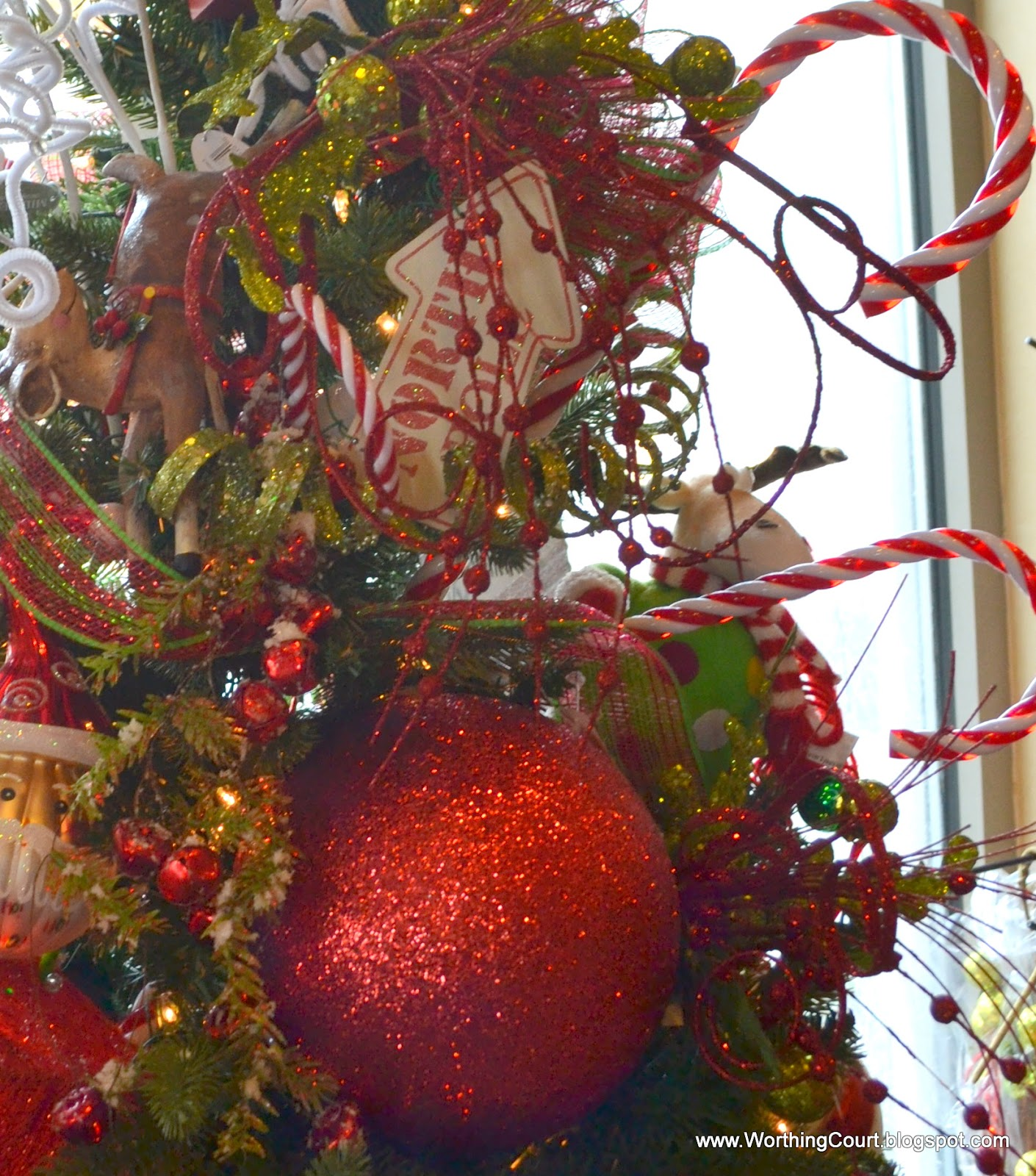 Designer\'s Christmas Decorating Tips - Wreaths, Garlands and Trees ...