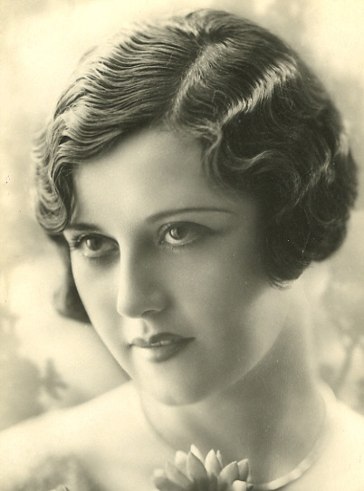 1920s Women's Hairstyles Long Hair