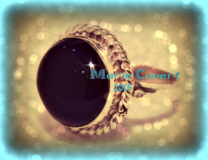 silver and onyx ring