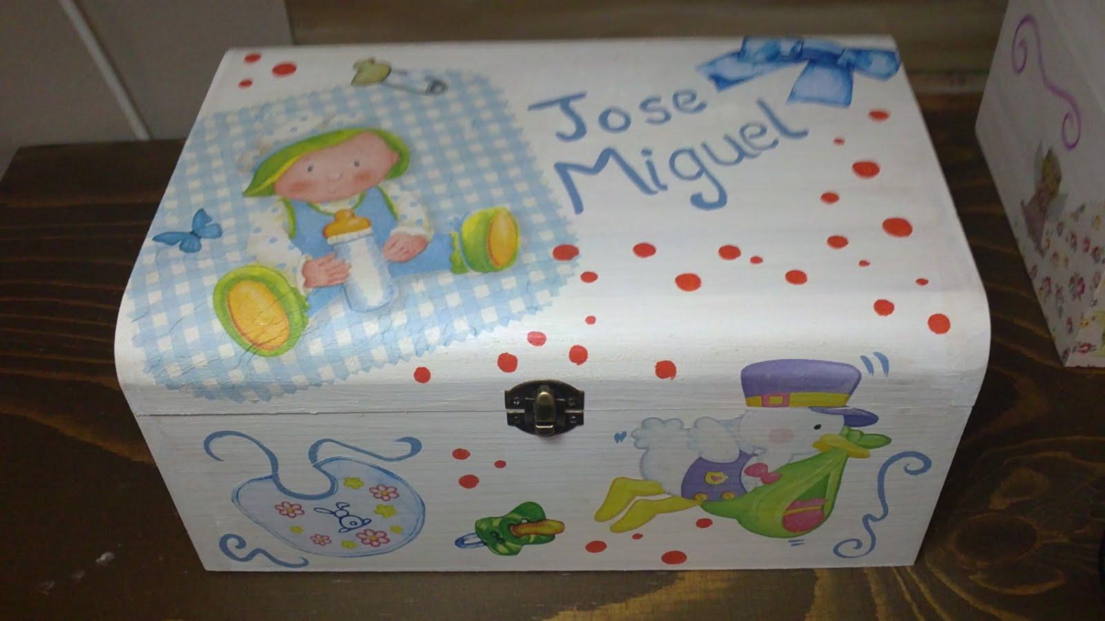 Manualidades y artesan a amarillo huevo - Cajas decoradas para bebes ...