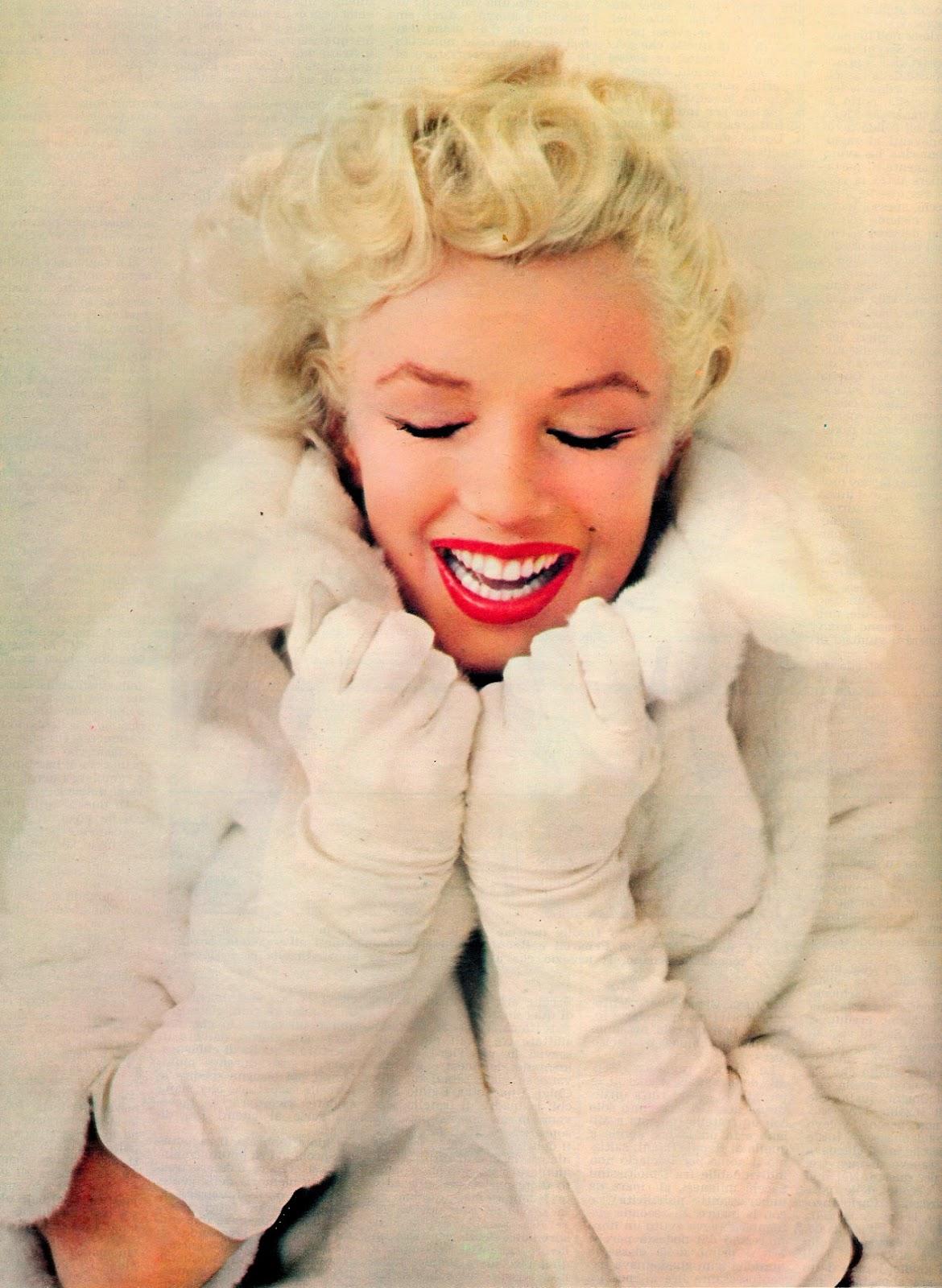 http://4.bp.blogspot.com/-Z4rOKGnFZok/ULQF49E6s-I/AAAAAAAAIBs/RGXAwNHxic0/s1600/Marilyn+Monroe.jpg