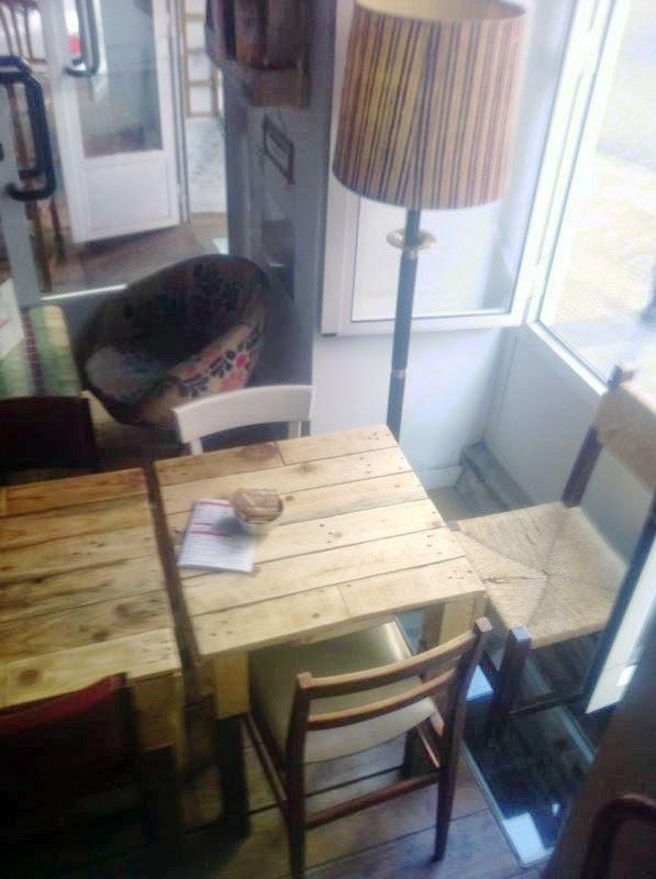 Supermanitas mesas hechas con pal s y antiguas maderas for Mesas hechas con puertas antiguas
