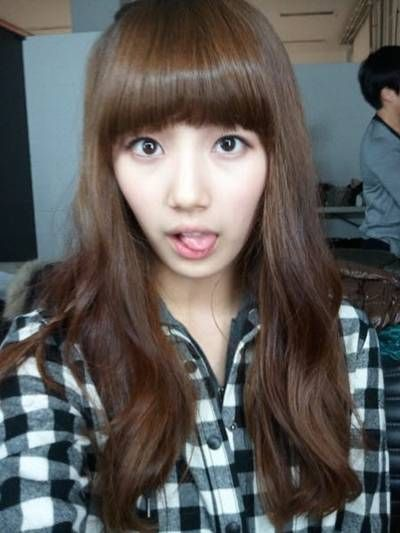 [PICS]Suzy sin maquillaje. Miss_A_s_Suzy_shows_off_her_bangs_13102010070912