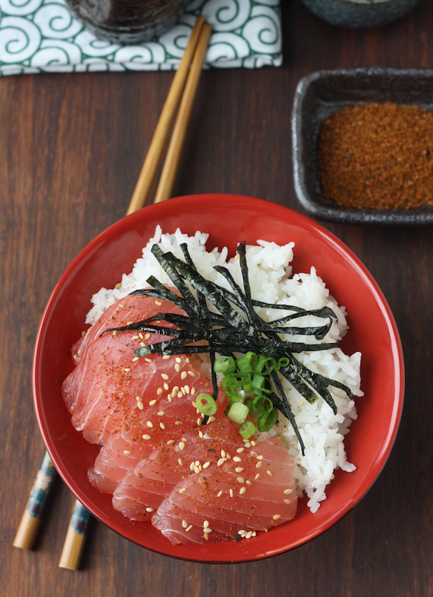 Tuna Sashimi Rice Bowl with Japanese Seven Spice (Shichimi Togarashi) by SeasonWithSpice.com