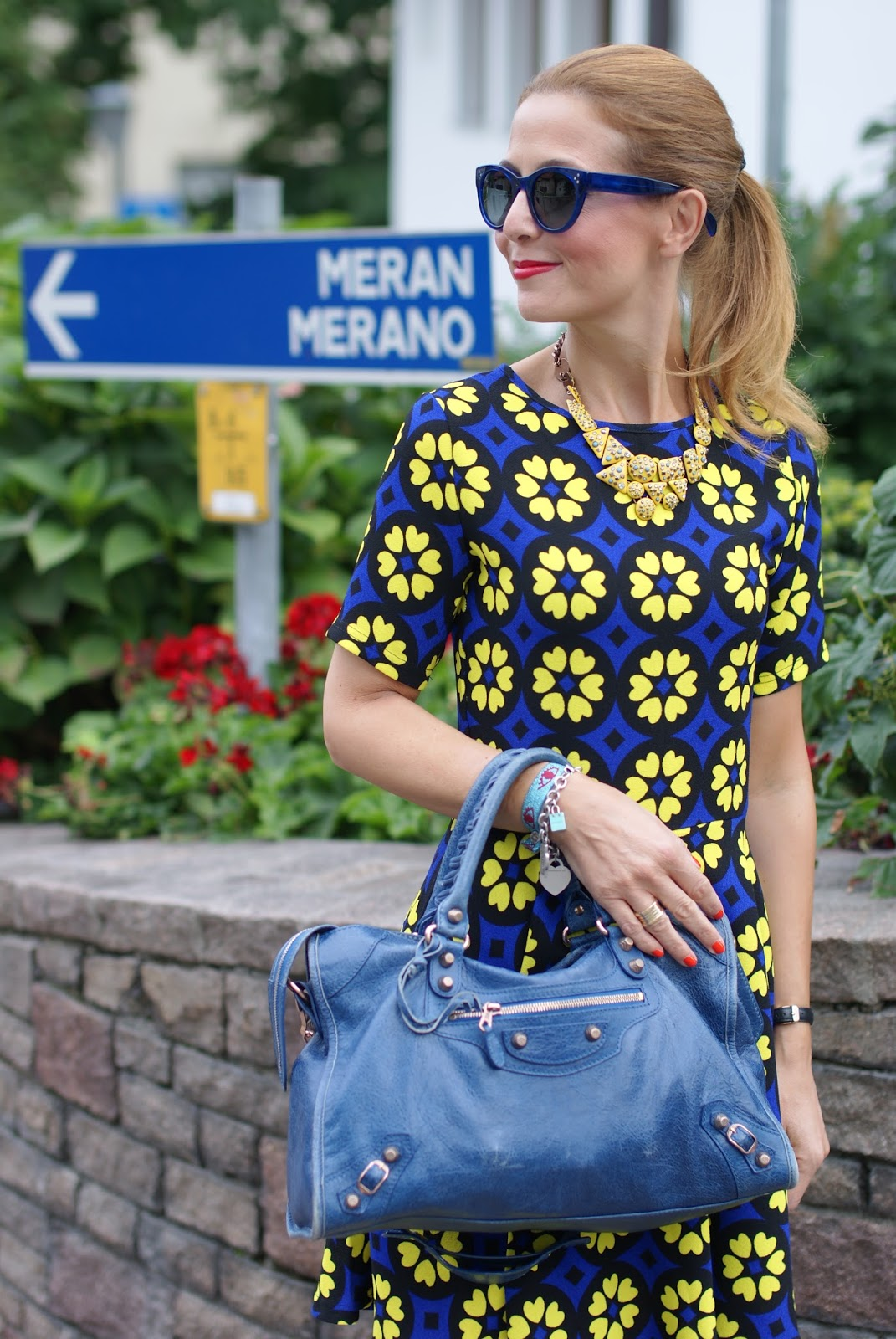 Daisy print skater dress with hype glass on Fashion and Cookies fashion blog, fashion blogger girly style