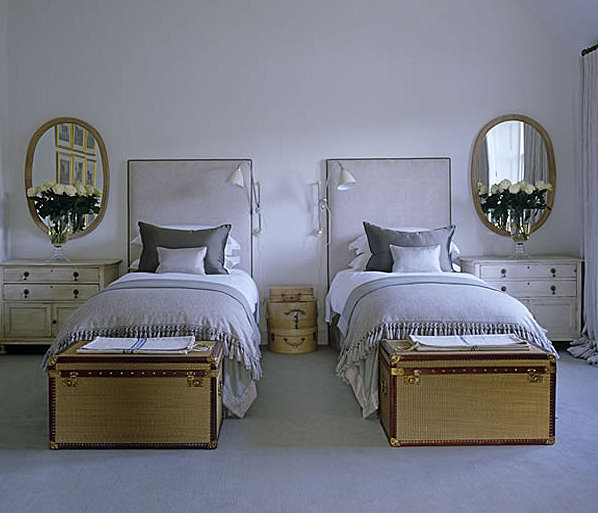 Symmetry rooms on pinterest twin beds grey dining rooms for Guest room with twin beds