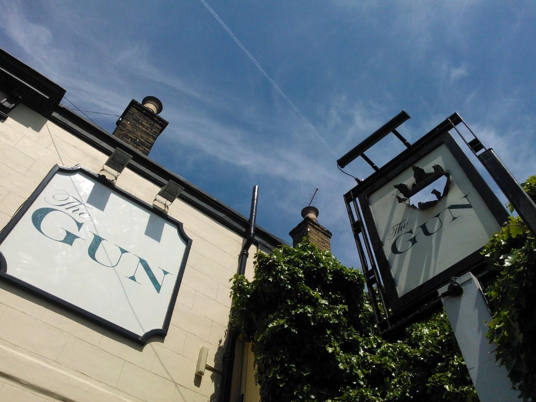 Snig\'s Kitchen: The Gun, London Docklands - a wonderful pub for ...