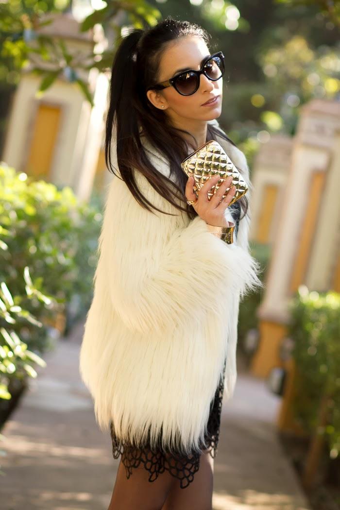 Blogguer con Abrigo de pelo Yeti en color Blanco
