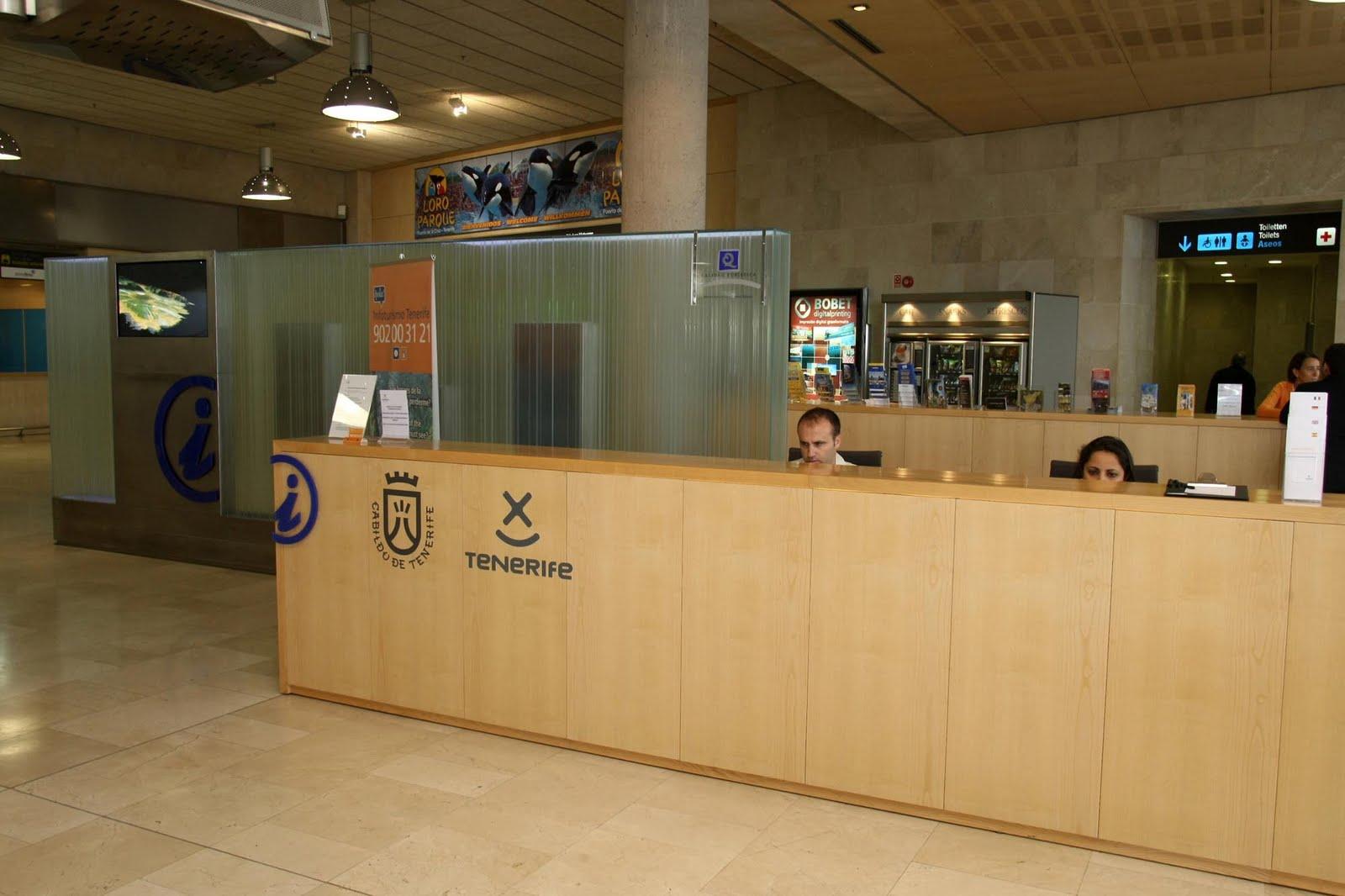 La oficina de informaci n tur stica del aeropuerto for Oficina de turismo de tenerife