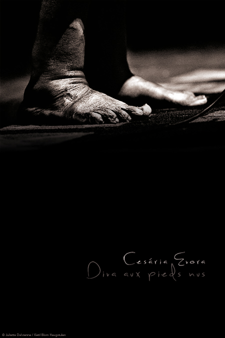 cesaria-evora-diva-pieds-nus-JD-one-per-week.jpg