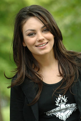 Hollywood Actress Mila Kunis HQ Wallpaper-75-800x600