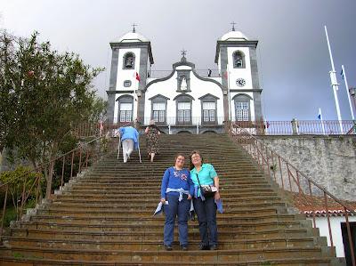 Igleja do Monte, Santuario Ntra. Sra. del Monte, Funchal, Madeira, Portugal, La vuelta al mundo de Asun y Ricardo, round the world, mundoporlibre.com